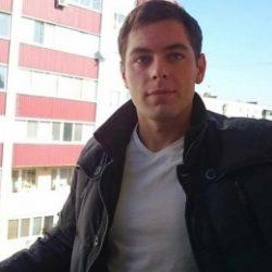 Парень из Москвы. Ищу девушку для встреч, одну и надолго