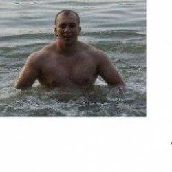 Парень хочет найти девушку в Владимире